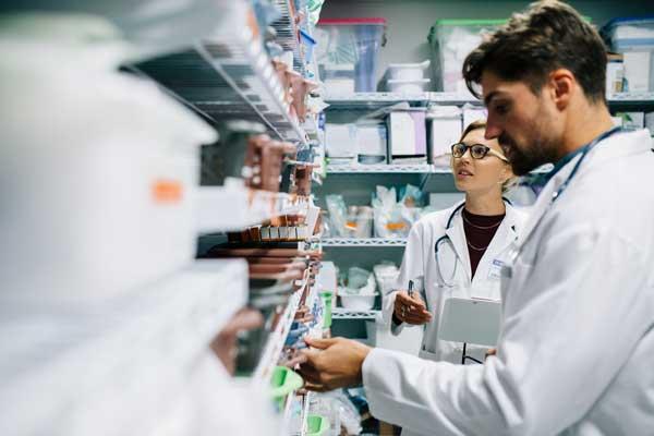 Pharmacies à usage intérieur : le décret enfin publié !